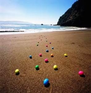 uova_pasqua_spiaggia